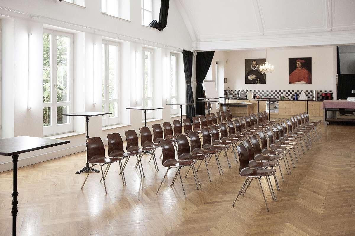 isartalstudio veranstaltungen |für seminare, pressekonferenzen, präsentationen ideal, mitten im glockenbachviertel, fünf minuten zu fuss in die isarauen. |pdf download